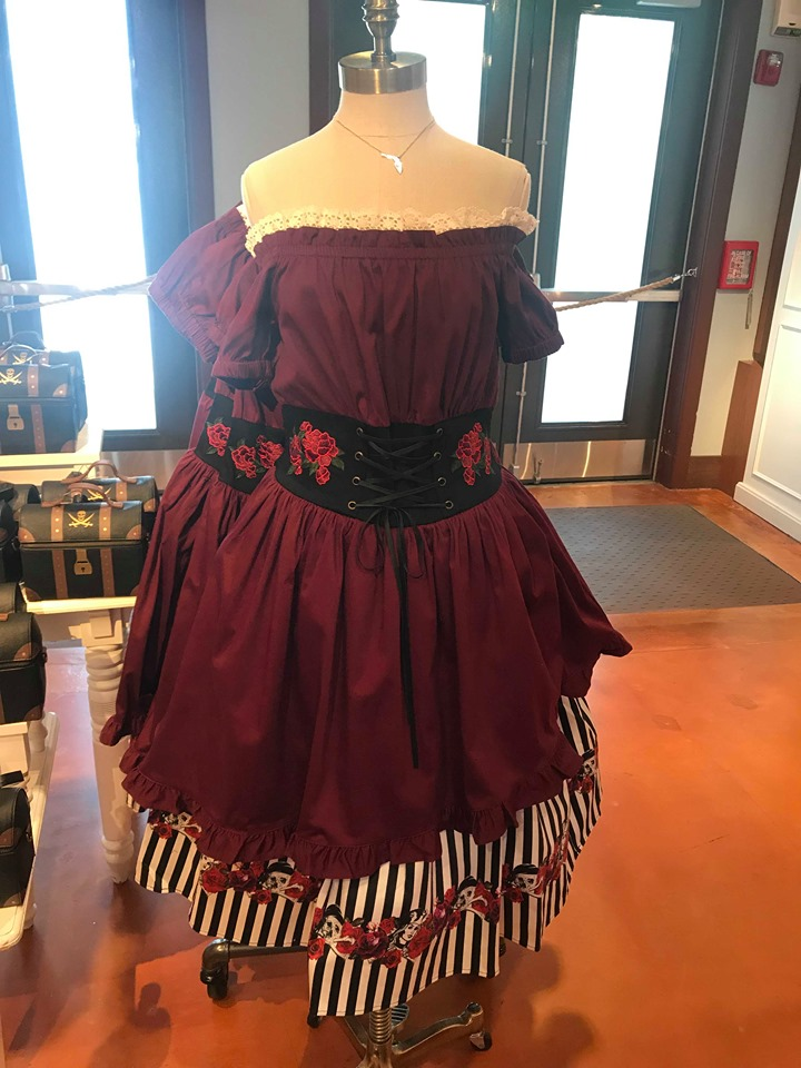 Pirate Redd Dress And Treasure Chest Purse From The Disney Dress Shop
