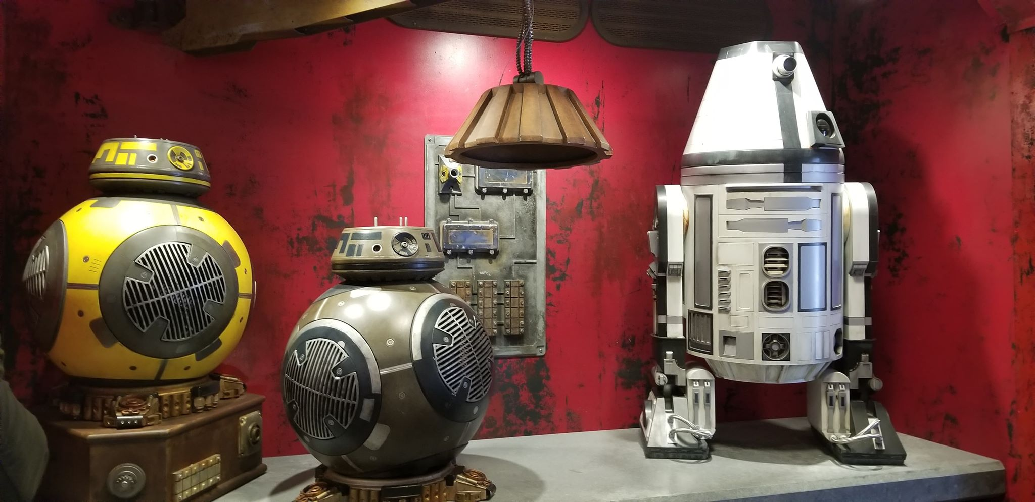 Photo Tour: Star Wars Galaxy's Edge Merchandise And Shops 8