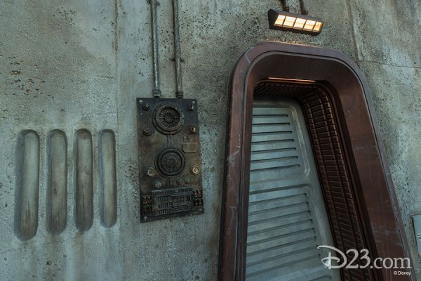 First Look: New Photos of Star Wars: Galaxy's Edge in Disneyland 1