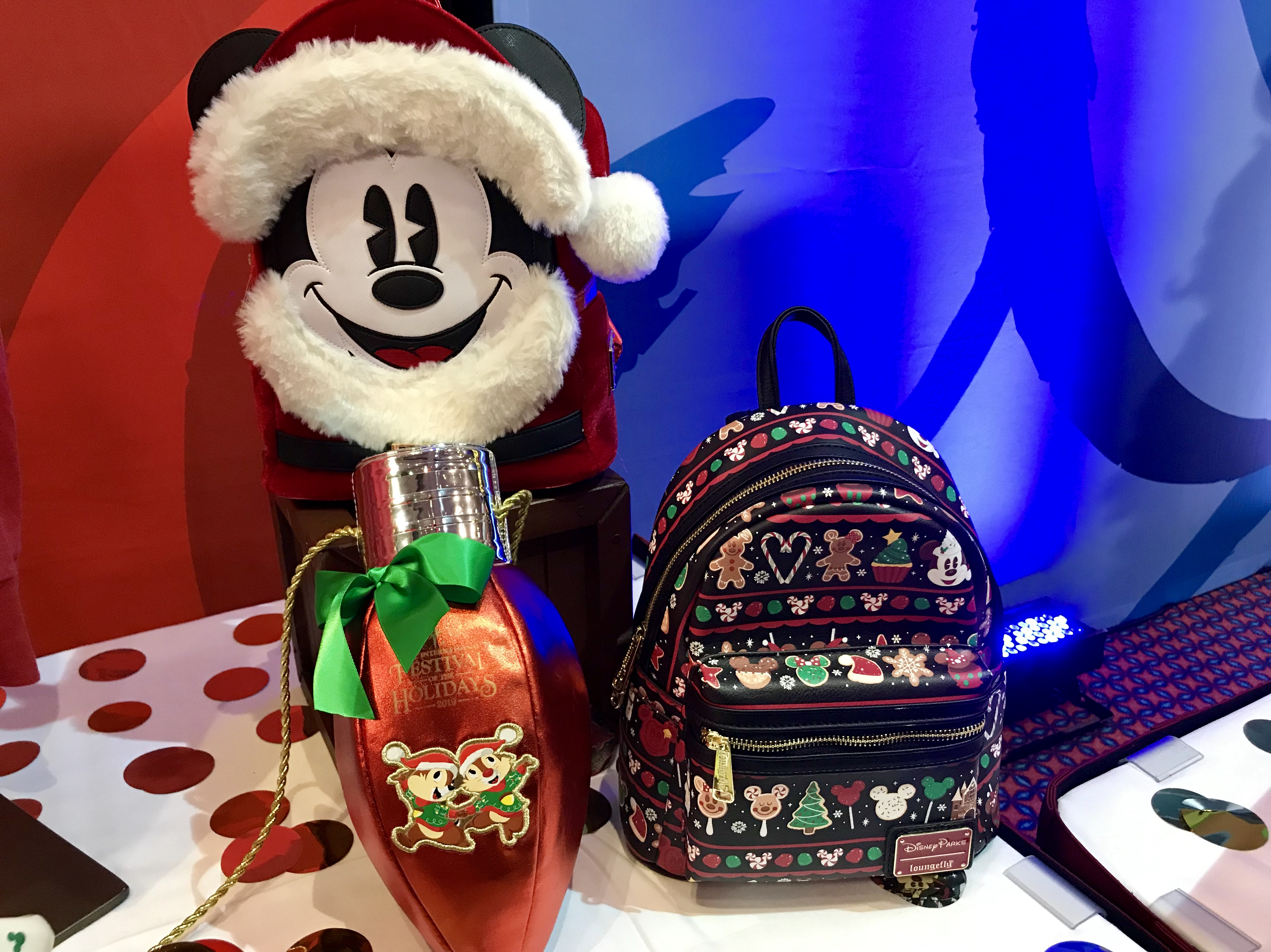 Disneyland Christmas 2019.Festive New Disney Holiday Bags From Loungefly And More