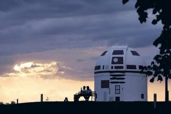 Mega Star Wars Fan and German Professor Paints Observatory Like R2-D2 8