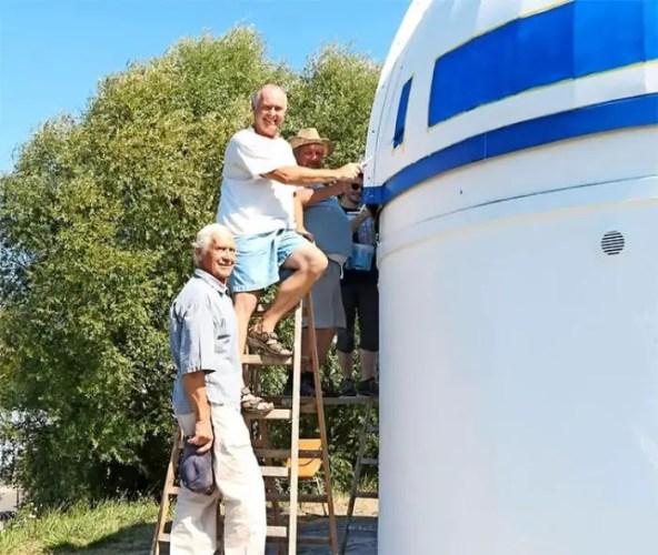 Mega Star Wars Fan and German Professor Paints Observatory Like R2-D2 3