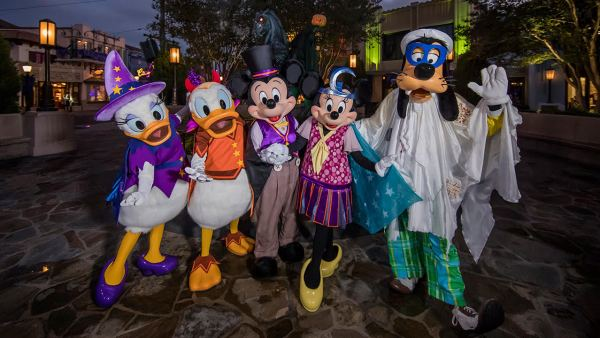Disneyland is Getting Spooky With An All-New Halloween Party! 1