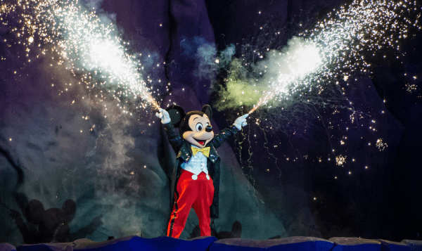 Fantasmic in Hollywood Studios is adding additional show for the opening of Star Wars Galaxy's Edge Weekend 1