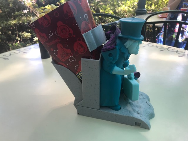Hitchhiking Ghosts Novelty Souvenirs Are a Haunting Good Time 5