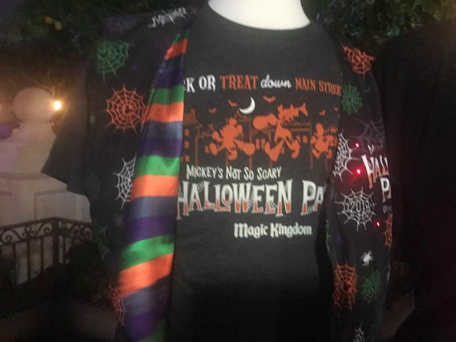 The Halloween Party Merchandise Is Full of Magic And Hocus Pocus 12