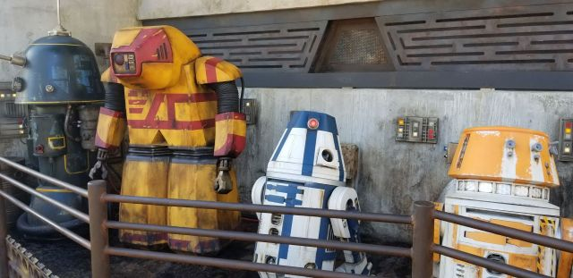 Check Out This Star Wars: Galaxy's Edge Photo Tour 2