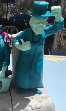 Hitchhiking Ghosts Novelty Souvenirs Are a Haunting Good Time 3