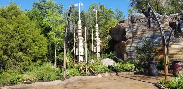 Check Out This Star Wars: Galaxy's Edge Photo Tour 14