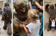 Young Fan Lives Her Star Wars Dream At Galaxy's Edge