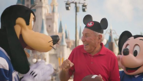 Magic Kingdoms Allows Signs One Day Only For College Gameday