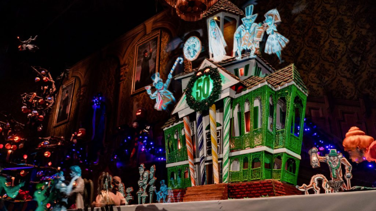 Gingerbread House Goes Up at Haunted Mansion Holiday in Disneyland Resort