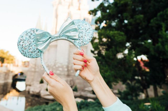 Disney Arendelle Aqua Collection Is Frosty And Fabulous 3