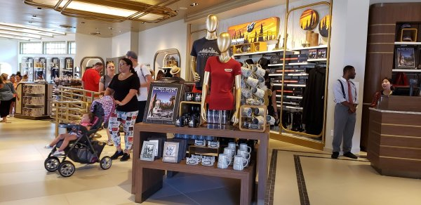 Keystone Clothier is now open in Hollywood Studios 4