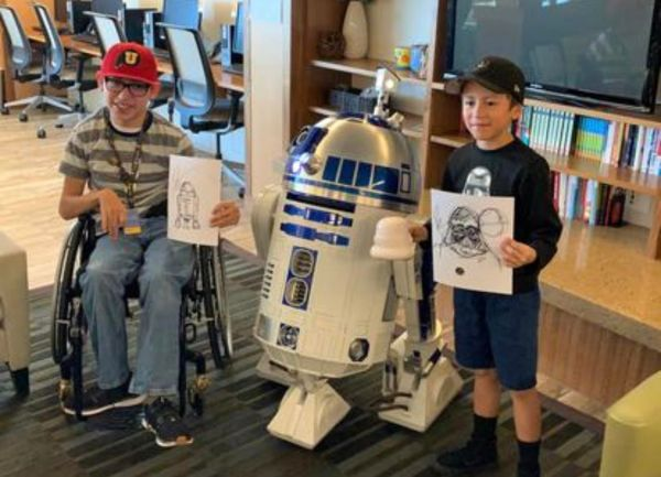 'Emperor Palpatine' and 'Anakin Skywalker' From Star Wars Visit Children's Hospital 4