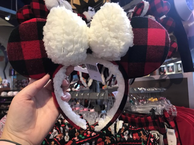 Holiday Minnie Mouse Ears Are Now At The Disney Parks 2