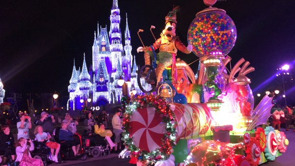 Mickey's Very Merry Christmastime Parade Is The Perfect Way To Celebrate The Season 3