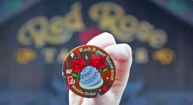 Disneyland Rolls Out New Annual Passholder Mobile Order Buttons