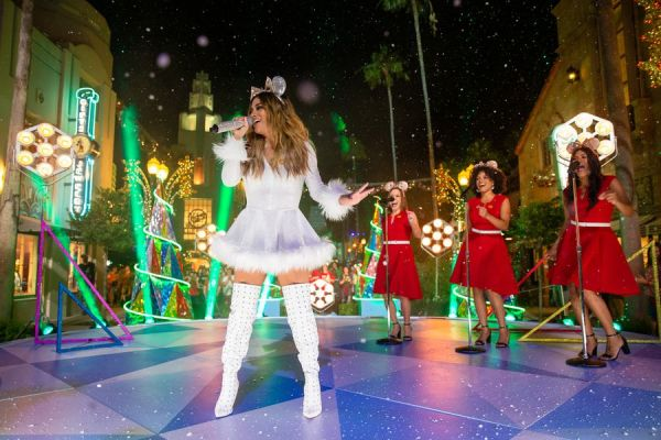 "Celebrity Performers In ""The Wonderful World Of Disney: Magical Holiday Celebration"" 3"