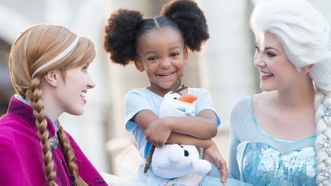New Frozen 2 Costumes Coming To Epcot!