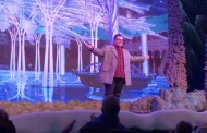 Josh Gad Makes Surprise Appearance During 'Frozen Sing-Along' at Disney's Hollywood Studios