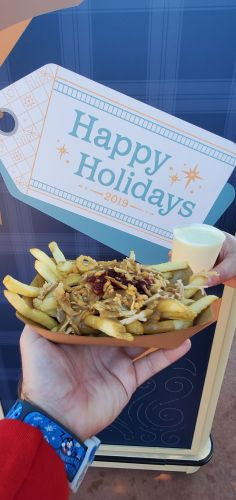 Enjoy Holiday Eats and Drinks at Refreshment Port 2