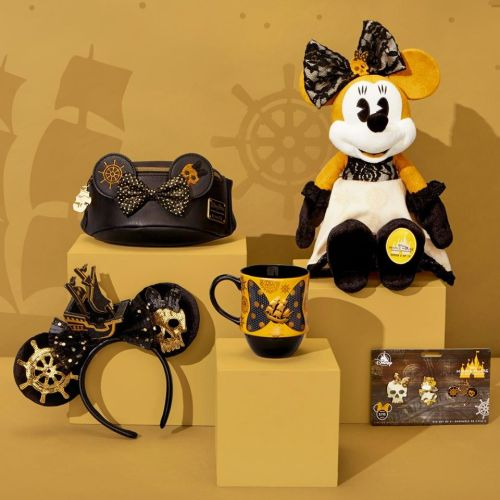 A Pirate Life for Minnie with new Pirates of the Caribbean collection 1