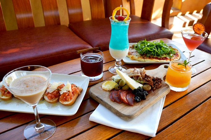 Disneyland Offers Special Dining Experience For Annual Passholders