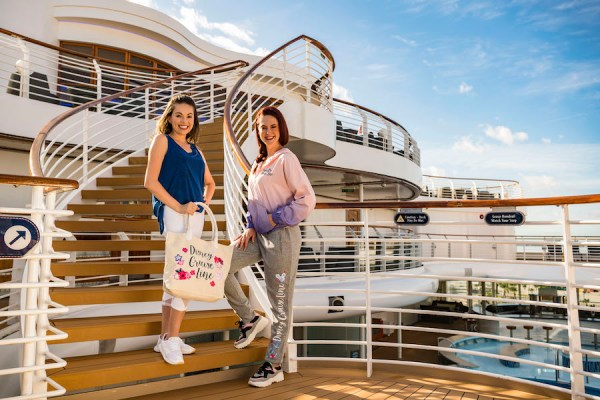 New Sail Away Minnie Collection Available On Disney Cruise Line 4