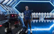 Drew Brees Visits Star Wars Galaxy's Edge While in Florida for the Pro Bowl