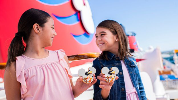 Captain Mickey And Minnie Cookies Coming To Disney Cruise Line