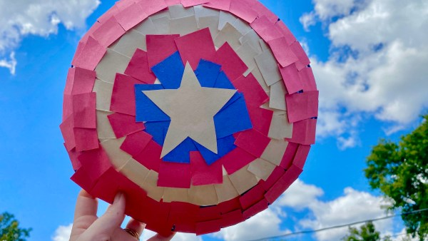 Disney Crafts - Make your own Marvel Captain America Shields 1