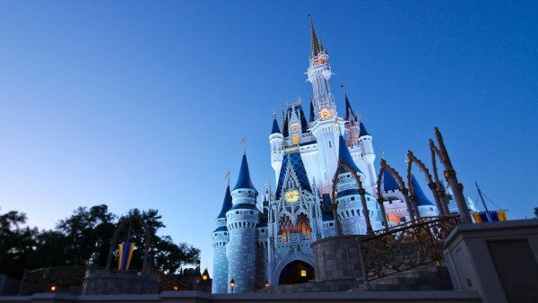 Disney Could Save Money by Furloughing Cast Members 1