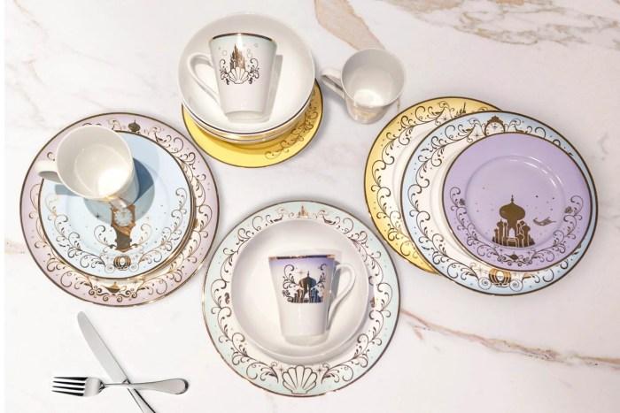 Disney Princess Dinnerware And Serving Set Add An Enchanting Touch 1