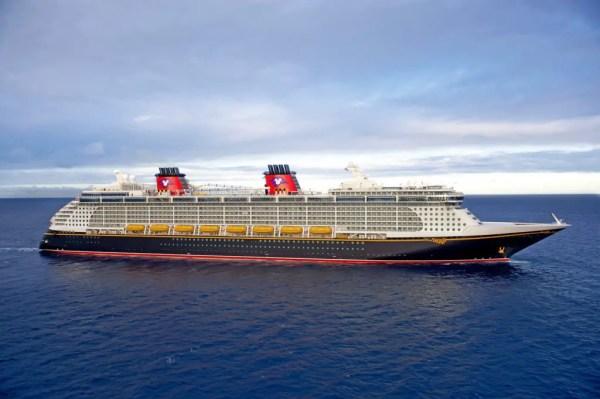 Virtual Tour of Disney Cruise Line's Disney Fantasy 1