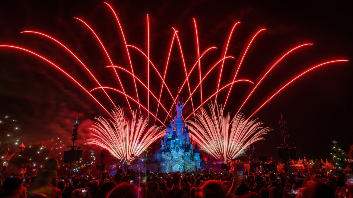 See a special presentation of Disney Illuminations show from Disneyland Paris TONIGHT!