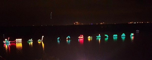 Disney's Electrical Water Pageant Will Be Temporarily Unavailable When WDW Reopens 1