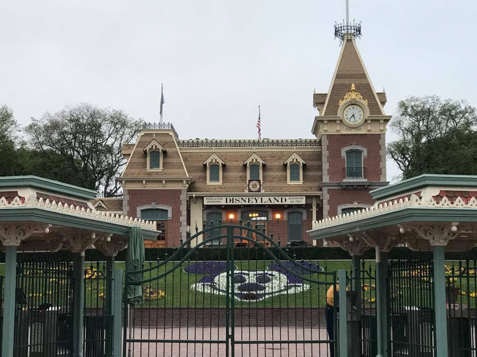 Disneyland will be a COVID-19 Vaccine Super Site