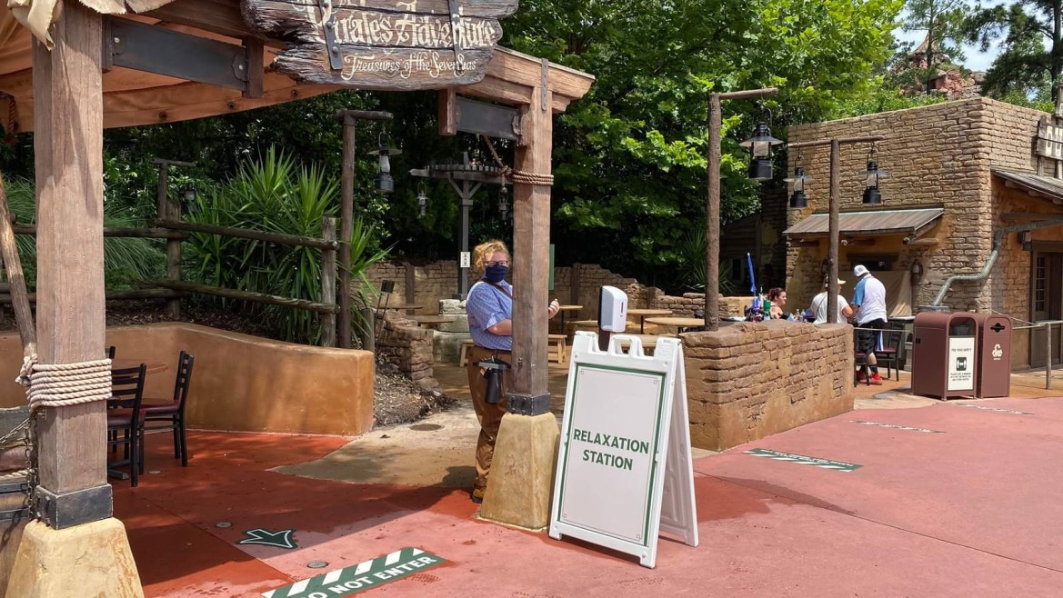 What do the Relaxation Stations look like at the Magic Kingdom