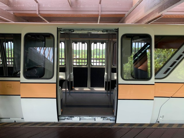 Plexiglass dividers removed from Disney World Monorails 2