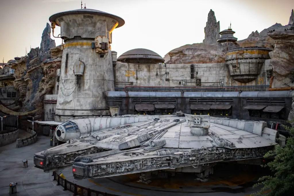 Millennium Falcon: Smugglers Run at Star Wars: Galaxy's Edge Ride & Learn Video