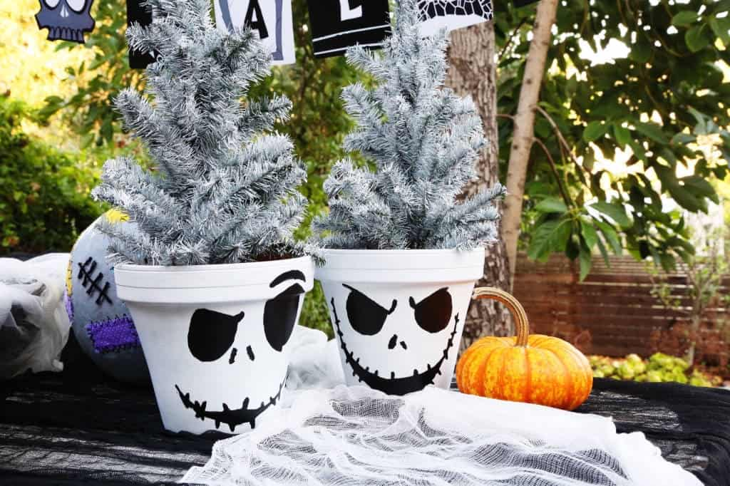 Make Your Own Jack Skellington Flower Pots!