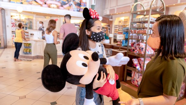 Disney World Annual Passholders get Discounts and More in August 2