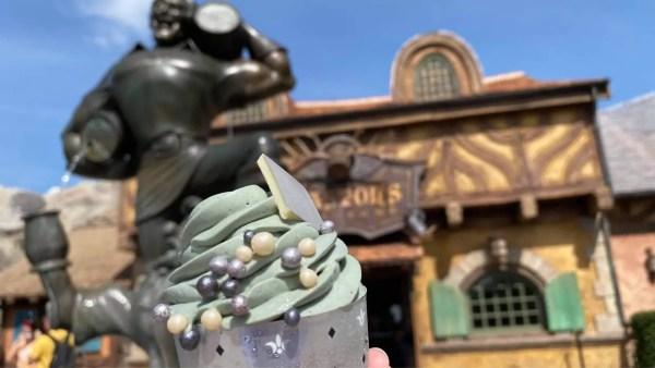Gaston's Tavern Cupcake
