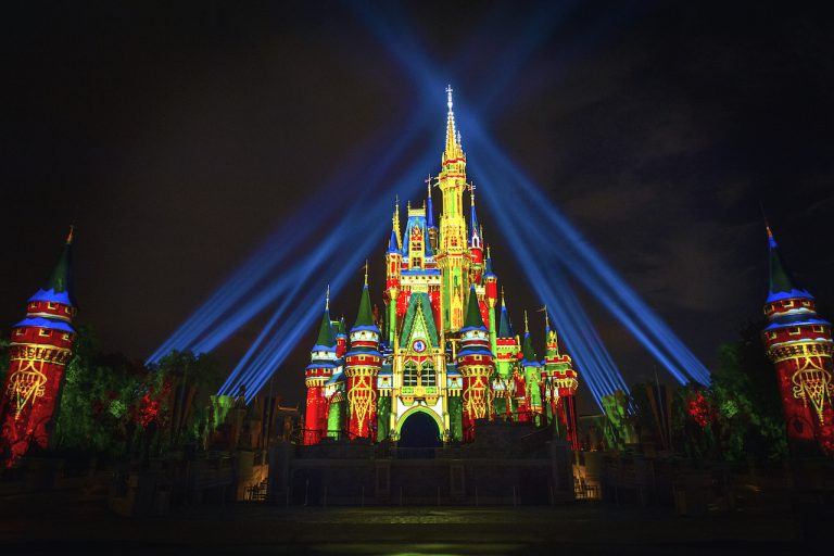 What is missing from Christmas at Walt Disney World for 2020