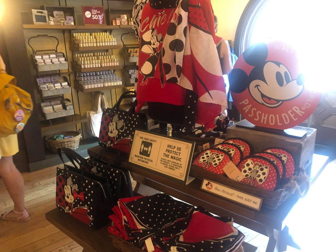Disneyland Paris Collection Arrives At Annual Passholder Pop Up