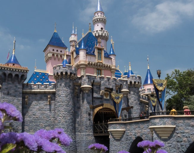 Anaheim Business Owners waiting for Disneyland to reopen