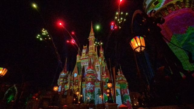 Disney World surprises guests with fireworks during Cinderella Castle lighting 1