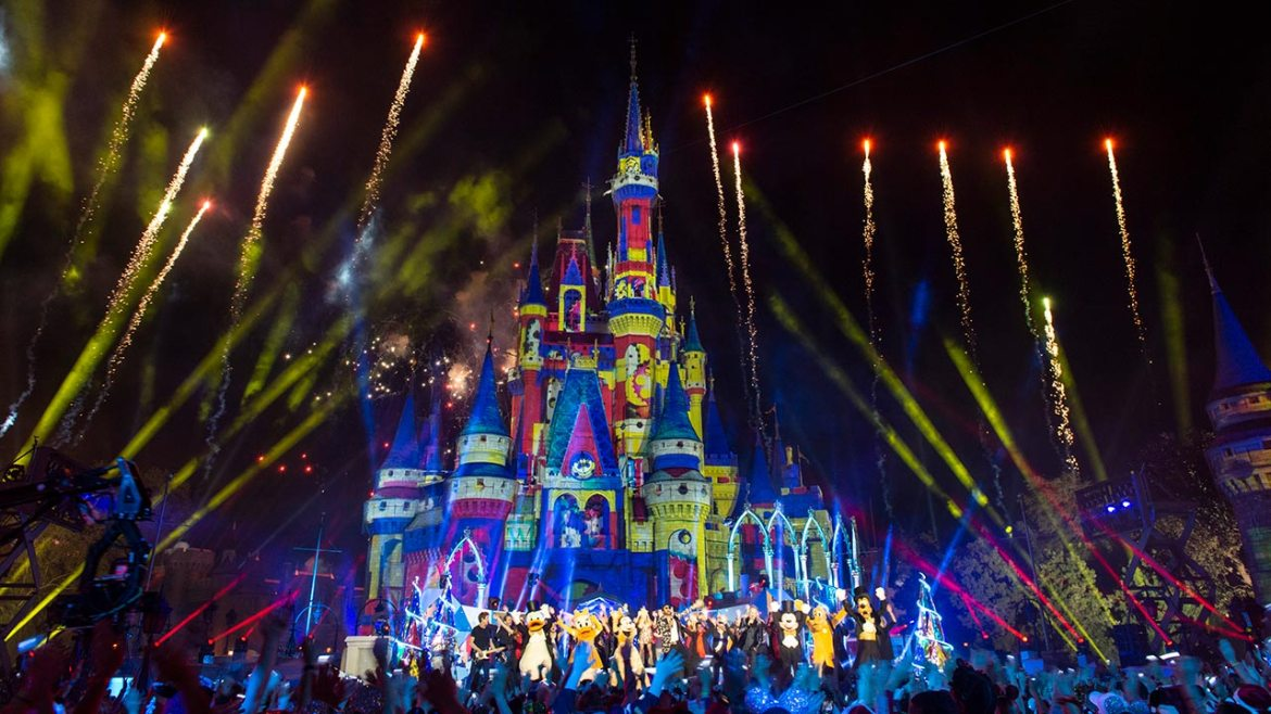 'The Wonderful World of Disney: Magical Holiday Celebration 2020' is Coming to ABC