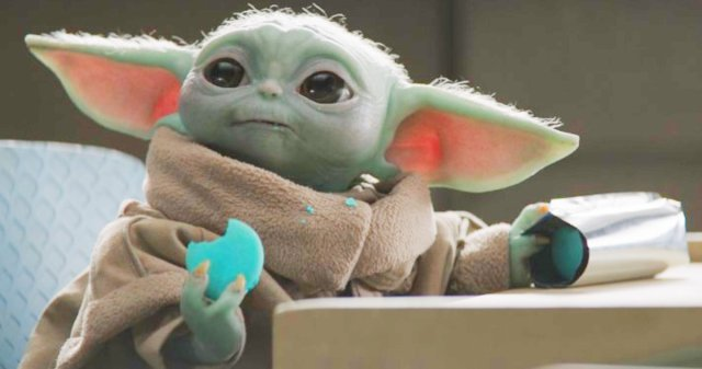 Publix is selling Baby Yoda Macarons 1